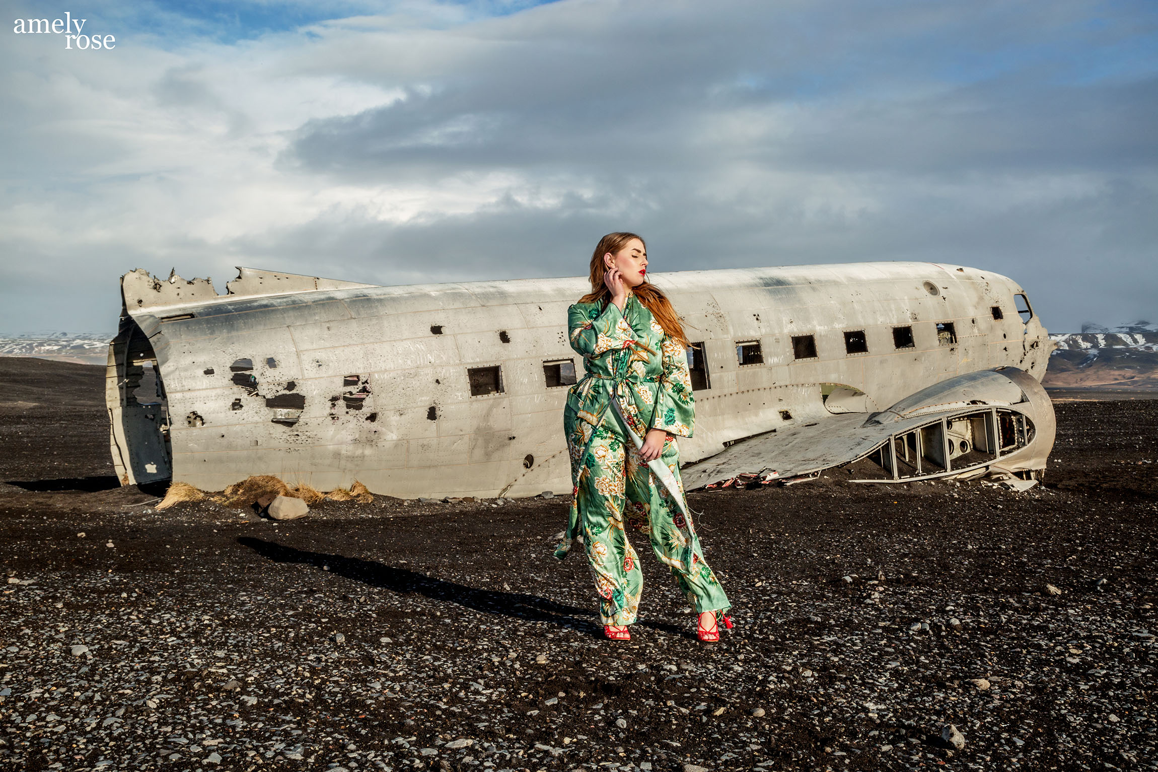 amely_rose_amelyrose_theamelyrose_iceland_is_island_traveltoiceland_airplanecrash_planecrash_fashion_influecer_modeblogger_travelblogger_travel