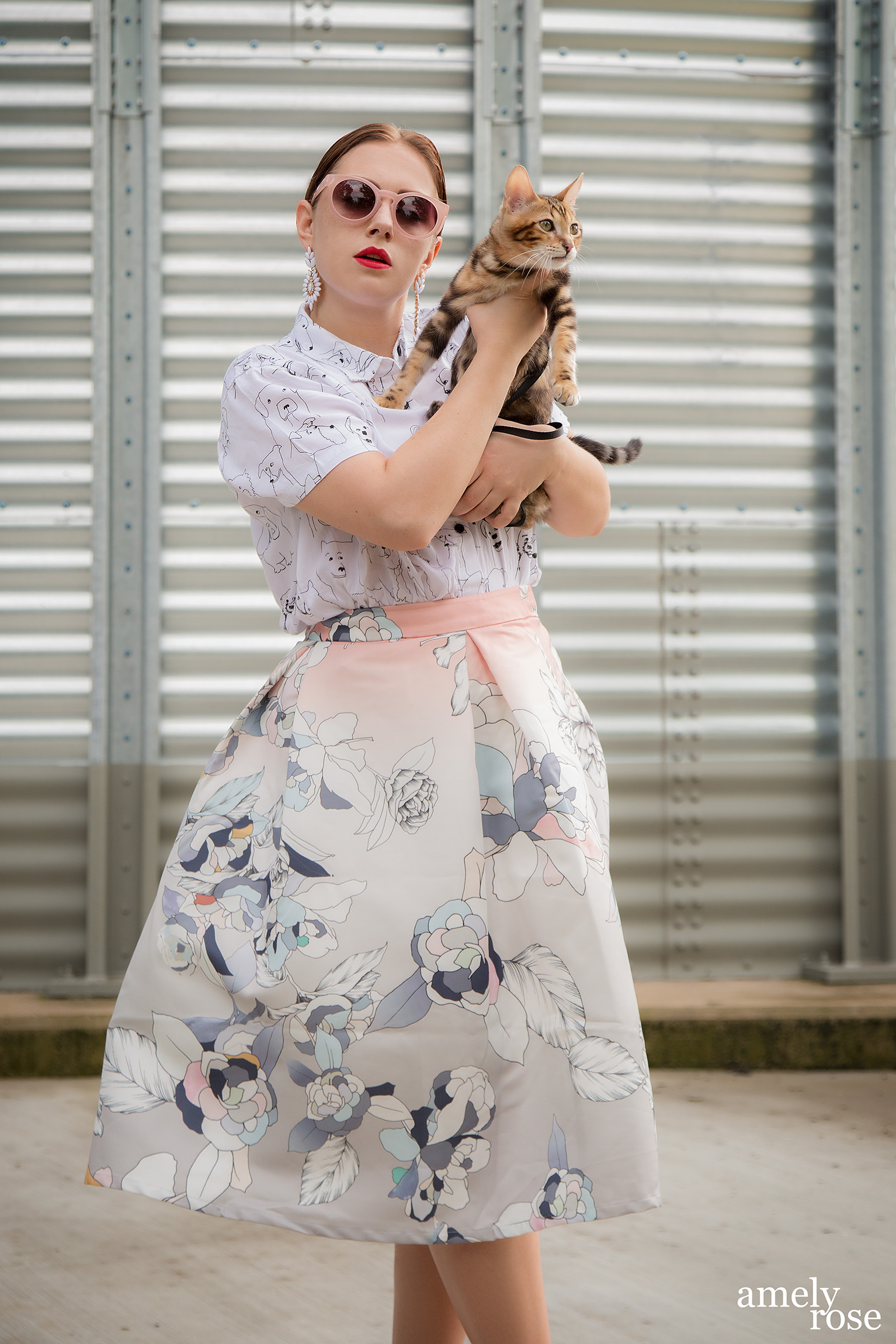 amelyrose_amely_rose_catwalk_bengal_catcontent_adventurecat_kitten_bengalcat_sommerlook_cat_katze_midiskirt