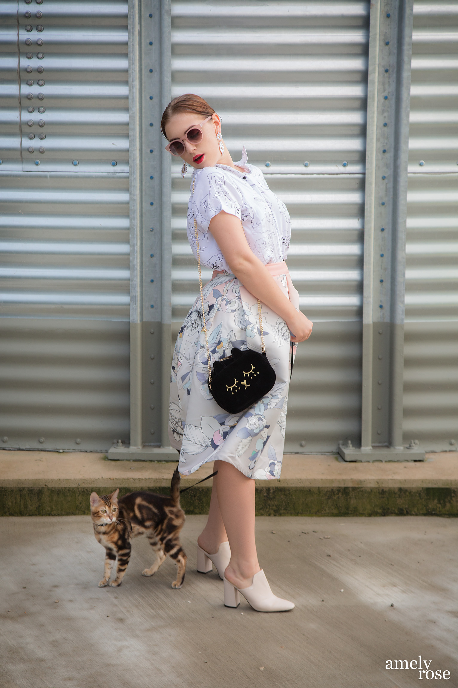 amelyrose_amely_rose_catwalk_bengal_catcontent_adventurecat_kitten_bengalcat_woman_cat
