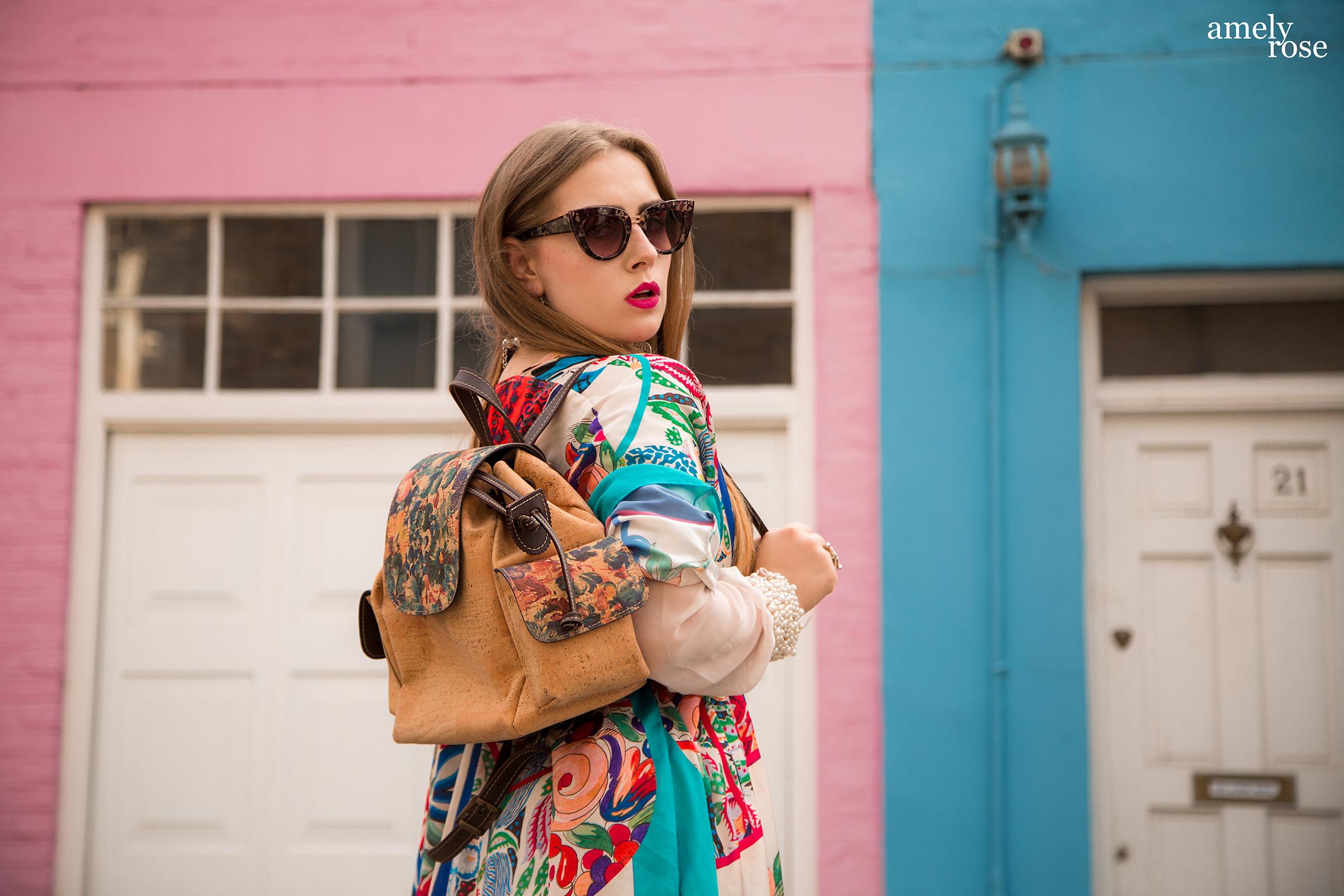 amely rose, german influencer, travelblogger und fashionblog trägt in Londin zur fashion week Schmuck und einen Herbstlook von Kork&More.