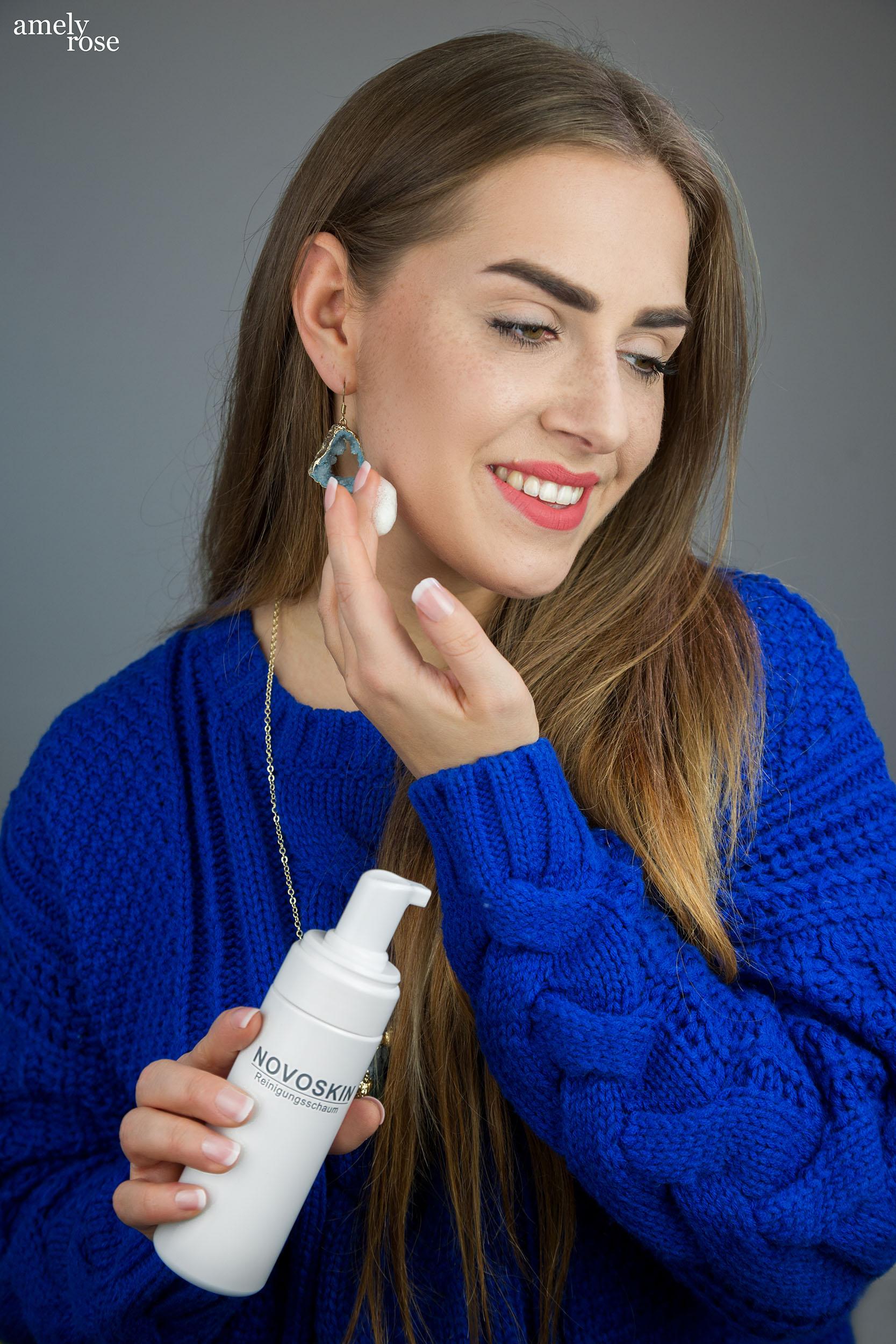 Amely Rose testet premiumkosmetik made in germany Pflegeprodukte im Beautyguide_der Reinigungsschaum wie der Bilou Duschschaum_Naturkosmetik von Novoskin