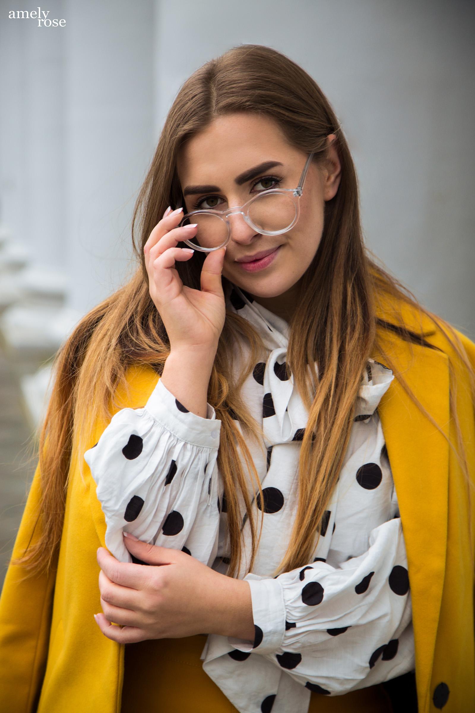 stilbag_senfgelber_sommerlook_leichter_mantel_nerdbrille_zara_zarasale_clip-in_extensions_handyhülle_smartphone_phonecase_handytasche