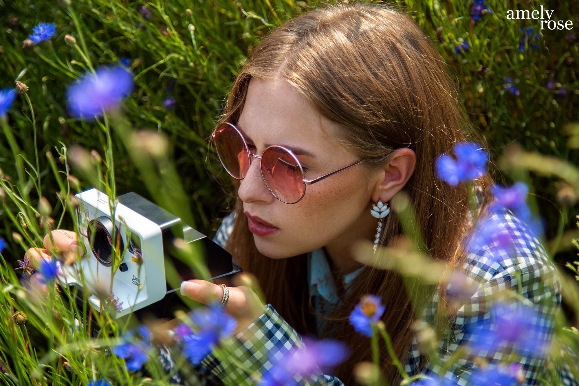 AMELY ROSE FASHIONBLOGGER Influencer, flower, blume, flowerpower, blumenfeld, flowerfield, amsterdam, cgn, köln, netherlands, summerlook, portrait, fashioneditorial,