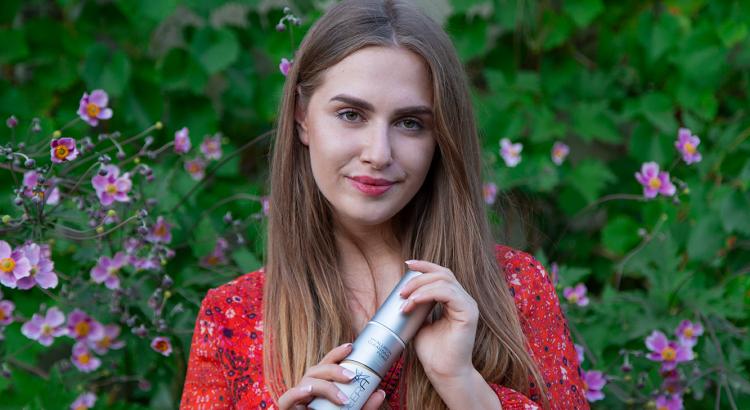 amely rose deera produkttest pflegeprodukte beautyblogger beautyblog hyaluron gesichtsreinigung cleanser reinigung foam