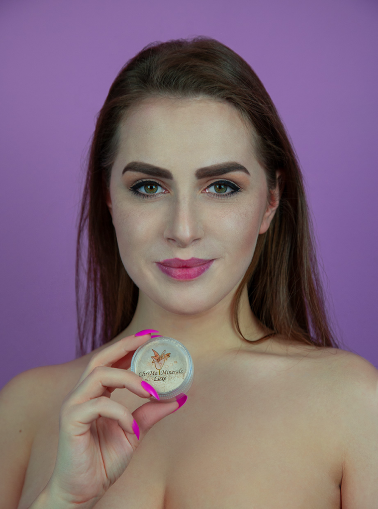 amelyrose, amelyrose, Chrimaluxe-Minerals, makeup, make up, portrait, eye make up, red smokey eyes, gothic make up, abiballlook, schminke, schminktipps, youtube_schmink_tutorial, portrait, puder, mineralien_uder, glitzer_lidschatten, lidschatten, dark lips, matter_lippenstift, flower, spring, frühling, frühlingsanfang, blumen, blume, blumenfotografie, nature photography, makeupbrush, schminkpinsel, pinsel, kabuki, kabuki brush, natural_make_up, nude_make_up, no_make_up, concealer, foundation,